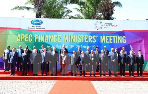 2017年APEC会议:马来西亚专家对越南的引领作用表示信任 hinh anh 1