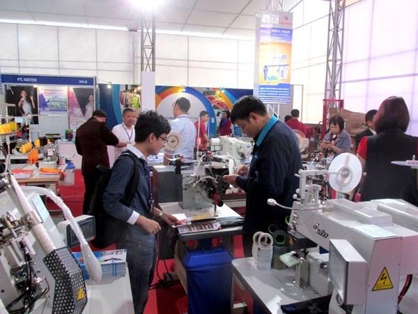 越南河内国际纺织面料及服装辅料展览会吸引200多家企业参展 hinh anh 1