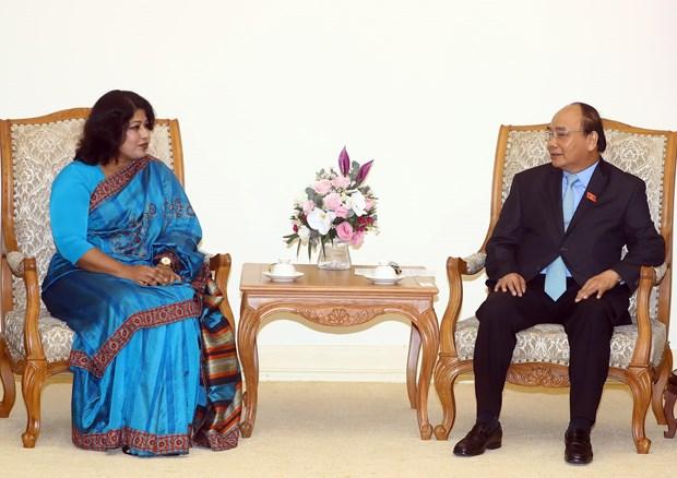 阮春福总理会见孟加拉国驻越大使萨米纳·纳兹 hinh anh 1