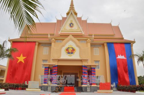 越柬建交50周年:越南人民军与柬皇家军队加强合作 hinh anh 3