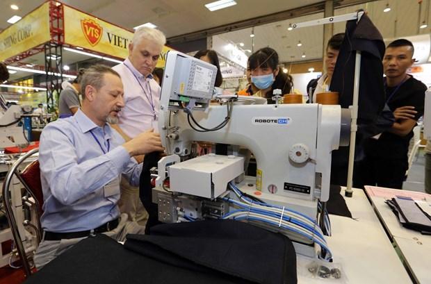 2017年越南河内国际纺织面料及服装辅料展正式开幕 hinh anh 1