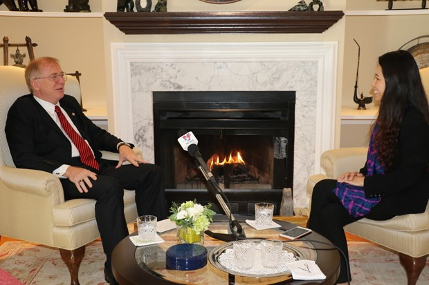 加拿大前驻越南大使高度评价越南在2017年APEC会议中所扮演的重要角色 hinh anh 1
