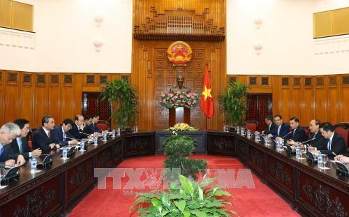 政府总理阮春福会见中国外交部长王毅 hinh anh 2