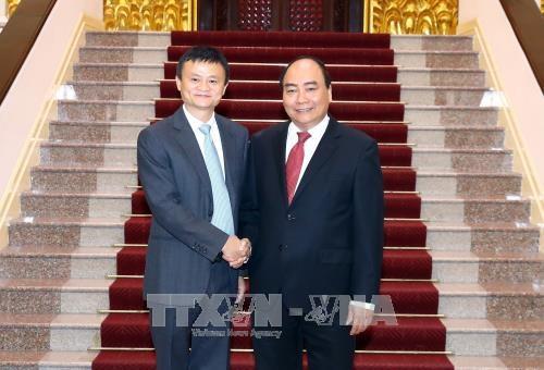 政府总理阮春福会见阿里巴巴总裁马云 hinh anh 1