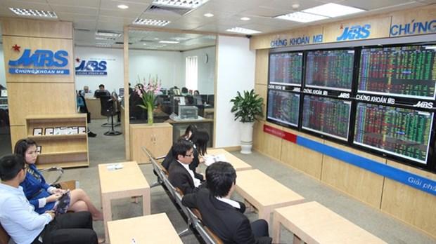 10月外国投资者在河内证券交易所的成交量猛增 hinh anh 1