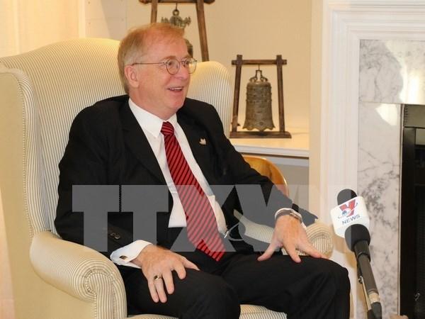 2017年APEC会议:加拿大前驻越南大使对越加合作前景持乐观态度 hinh anh 1
