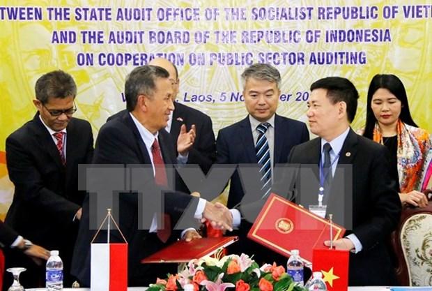 越南国家审计署与印尼审计委员会签署公共部门审计合作的谅解备忘录 hinh anh 1