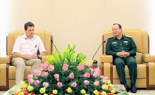 越南与英国加强防务合作 hinh anh 1