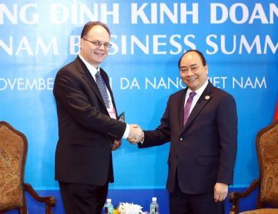 越南政府总理阮春福密集会见出席越南商务峰会的各国企业代表团 hinh anh 5