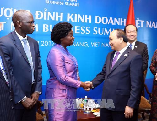 阮春福总理会见世行东亚与太平洋地区副行长维多利亚·克瓦 hinh anh 1
