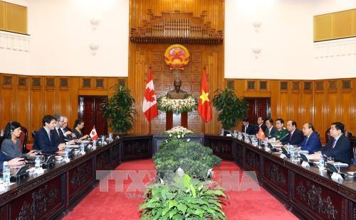 政府总理阮春福与加拿大总理特鲁多举行会谈 hinh anh 1