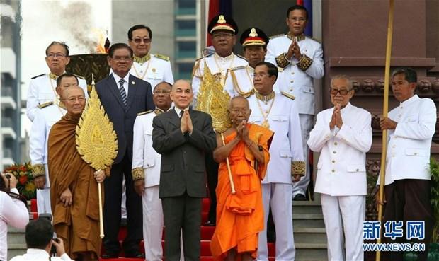 柬埔寨独立日64周年庆典在独立纪念碑隆重举行 hinh anh 2