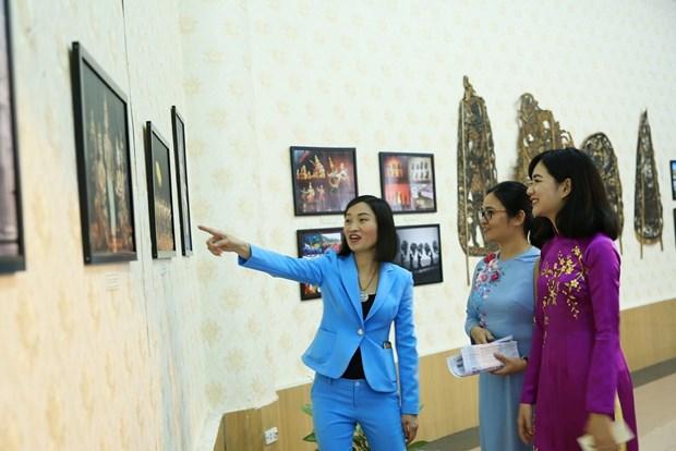"""""""柬埔寨—文化王国""""展览会在河内举行 hinh anh 2"""