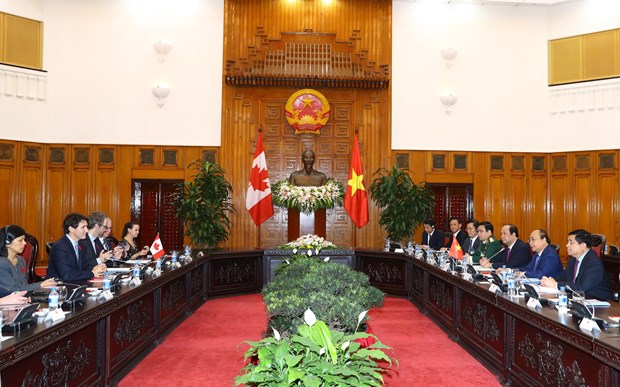 越南和加拿大发表关于确立全面伙伴关系的联合声明 hinh anh 1