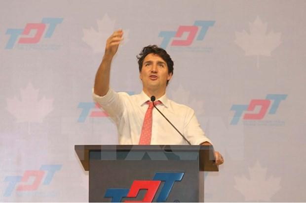 加拿大总理离开胡志明市 启程出席APEC领导人会议周活动 hinh anh 1
