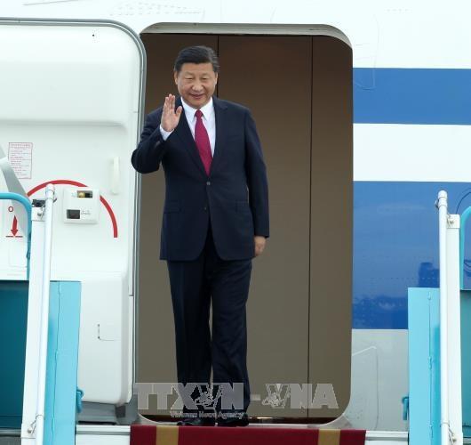 中共中央总书记、国家主席习近平抵达越南岘港国际机场 hinh anh 1