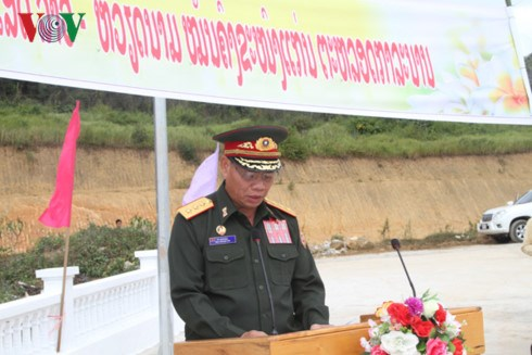 越老建交55周年:越老战斗联盟团结纪念碑正式竣工 hinh anh 3