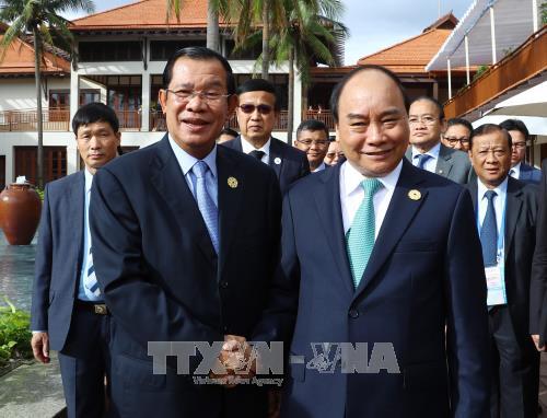 越南一贯主张重视并希望继续巩固与柬埔寨的友好合作关系 hinh anh 1