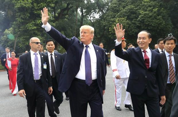 越南国家主席陈大光与美国总统特朗普举行会谈 hinh anh 1