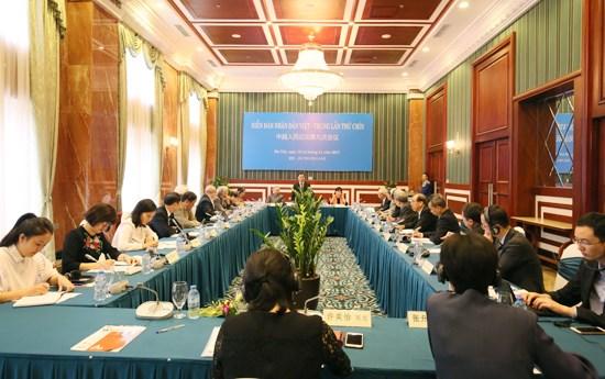 越共中央民运部长张氏梅会见出席越中人民论坛第九次会议代表 hinh anh 1