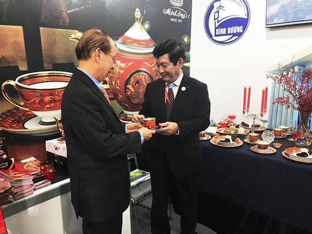 明隆瓷器亮相APEC——越南陶瓷行业之骄傲 hinh anh 2
