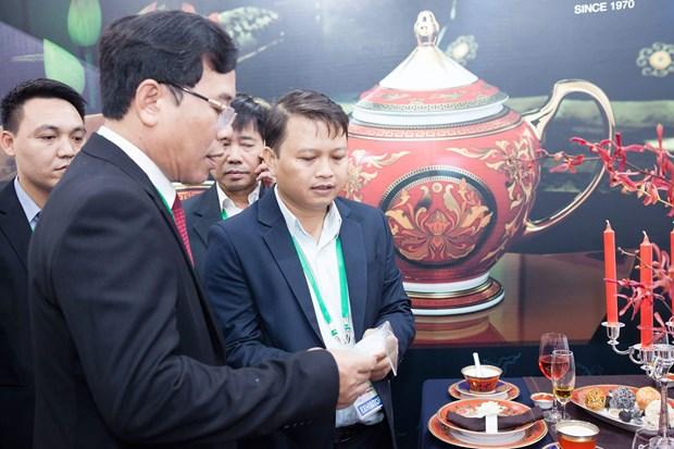 明隆瓷器亮相APEC——越南陶瓷行业之骄傲 hinh anh 3