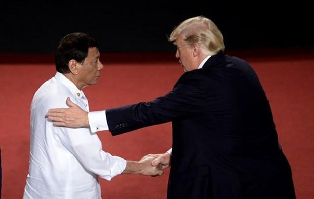 美国和菲律宾承诺维护东海航行自由 hinh anh 1