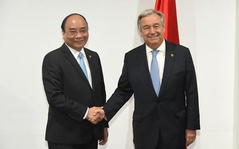 第31届东盟峰会:阮春福会见联合国秘书长和欧洲理事会主席 hinh anh 1