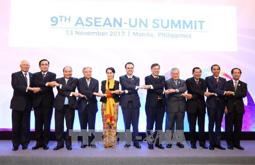 第31届东盟峰会:越南政府总理阮春福出席湄公—日本峰会和东盟—联合国峰会 hinh anh 2