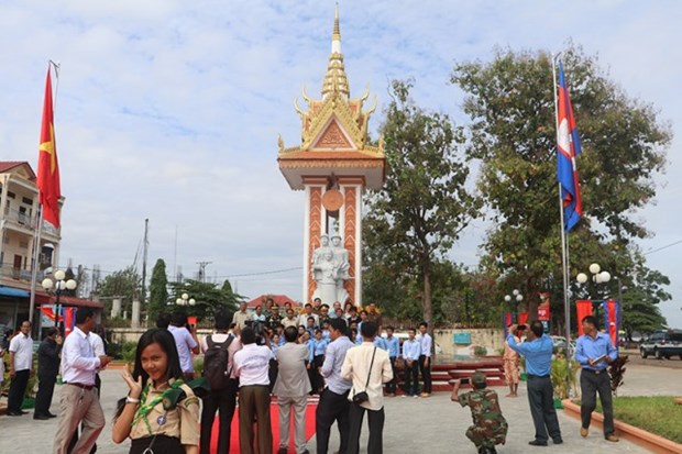 设在柬埔寨上丁省的越柬友谊纪念碑修缮工程竣工 hinh anh 2