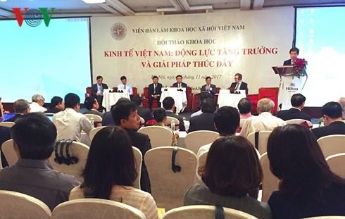 政府副总理王庭惠出席越南经济研讨会 hinh anh 1