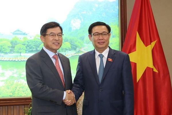 政府副总理王廷惠:希望三星电子越南公司成为在越外国投资商的典范 hinh anh 1