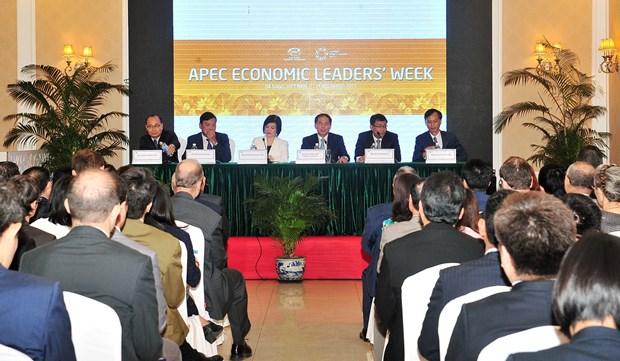 越南向外国驻河内代表处和国际组织通报APEC领导人会议周的结果 hinh anh 1