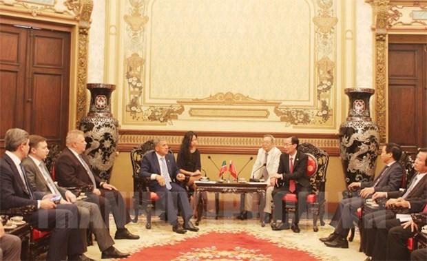 胡志明市领导会见鞑靼斯坦总统鲁斯塔姆 hinh anh 1