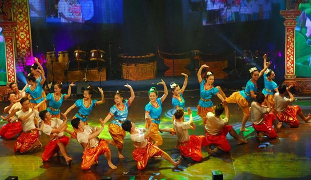 第七届南部高棉族同胞文化体育旅游节正式闭幕 hinh anh 2