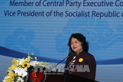 邓氏玉盛:努力将胡志明市人文与社科大学建设成为地区内社科和人文领域一流大学 hinh anh 1