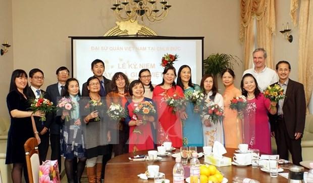 越南语教学为提高旅德越南人的社会地位做出贡献 hinh anh 1
