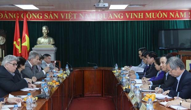 越南劳动总联合会与奥地利工会联合会举行会谈 hinh anh 1