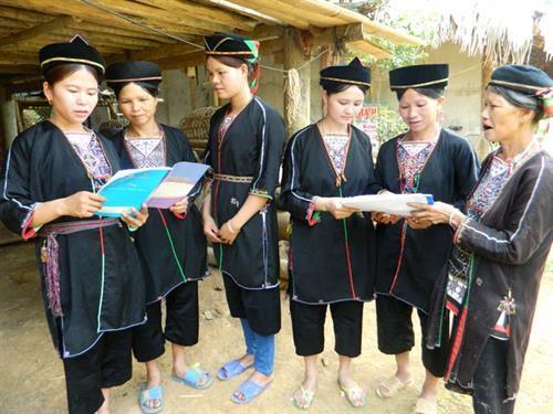 为推动少数民族女性和男性发展需求做出贡献 hinh anh 1