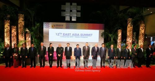 东亚各国领导强调维护东海和平稳定的重要性 hinh anh 1