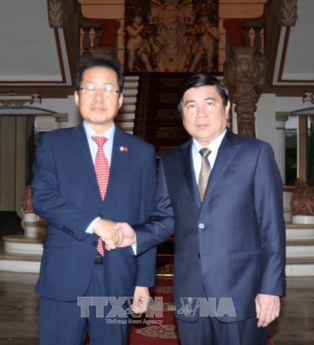 越南胡志明市领导会见自由韩国党党首洪准杓 hinh anh 1