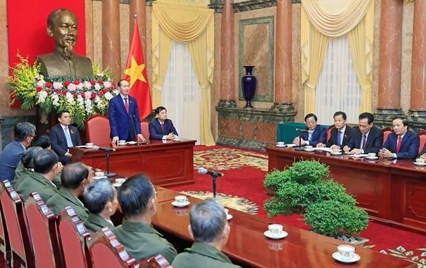 越南党和国家永远铭记老挝人民的功劳 hinh anh 1