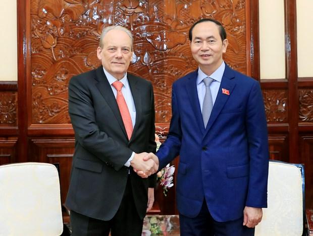 越南国家主席陈大光会见乌拉圭驻越大使 hinh anh 1
