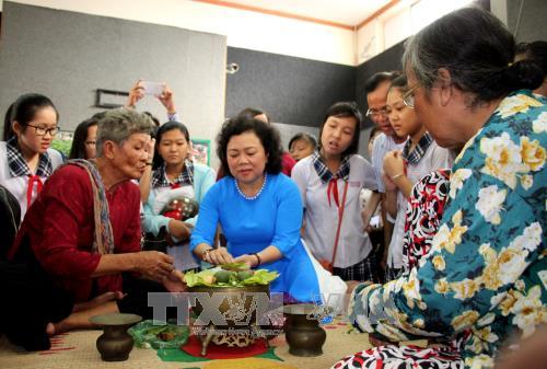 纪念越南文化遗产日系列活动在各地举行 hinh anh 3