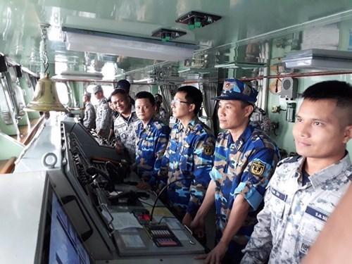 东盟海军加强合作 共建和平海域 hinh anh 1