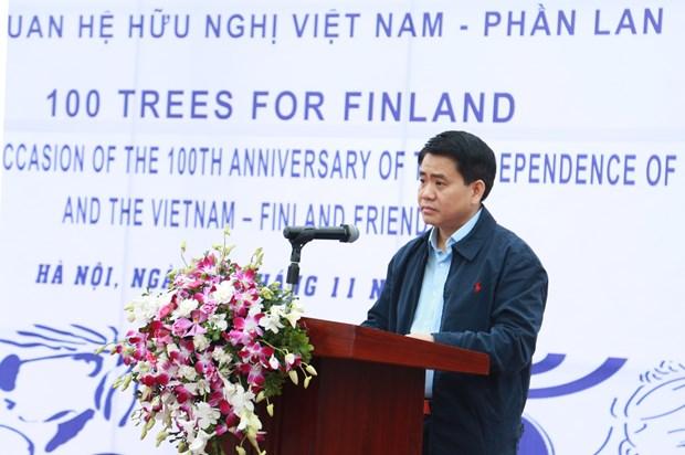 河内市种植100棵树庆祝芬兰国庆100周年 hinh anh 1