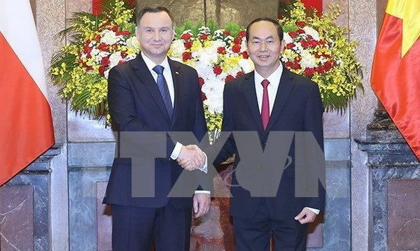 越南国家主席陈大光举行仪式欢迎波兰总统访越 hinh anh 4
