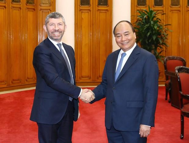 越南政府总理阮春福会见意大利经济发展部副部长 hinh anh 1