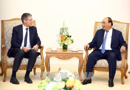 阮春福总理会见法国和澳大利亚集团领导 hinh anh 1