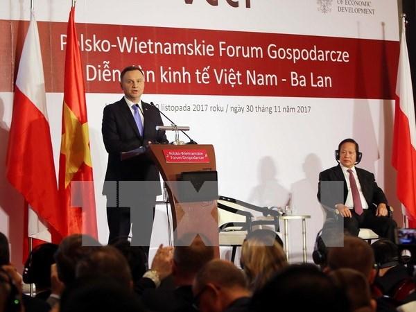 波兰总统出席越南波兰企业论坛 hinh anh 1
